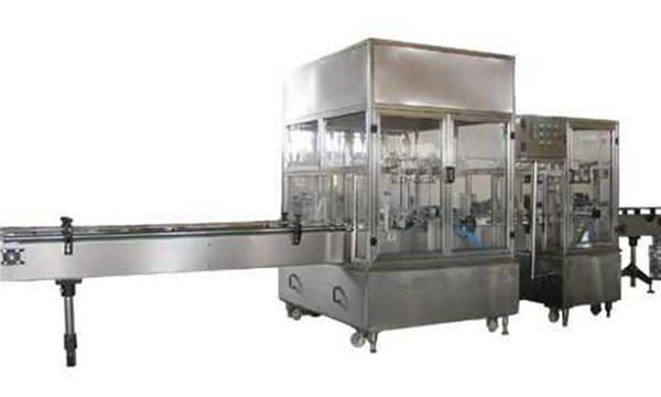 Helautomatisk maskin for fylling av flytende såpe